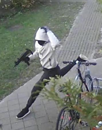 Efterlyst gerningsmand til drabsforsøg på Gadelandet den 3. april 2020