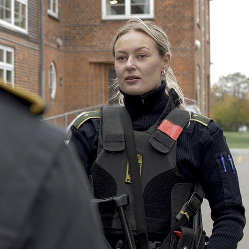 Ung kvinde i politiet