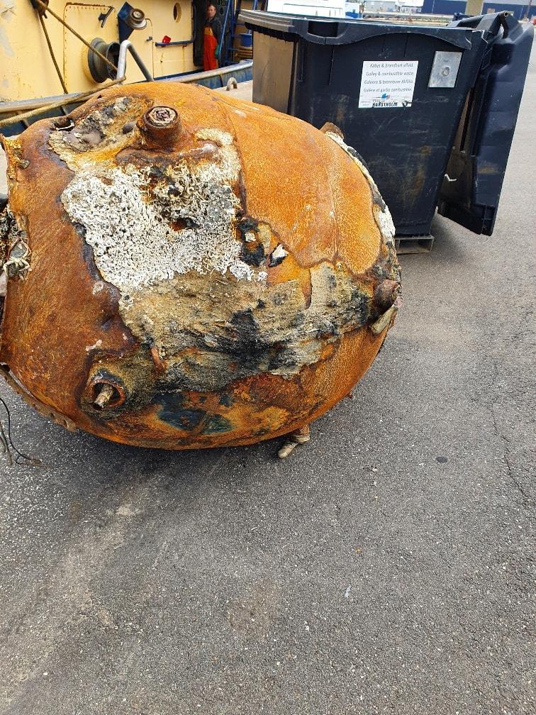 Hornmine indbragt til havnen i Hanstholm