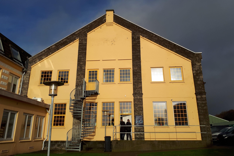 Brønderslev Politikontor er en del af Nordjyllands Politi. Lokalerne bruges bl.a. af efterforskere og lokalpoliti.
