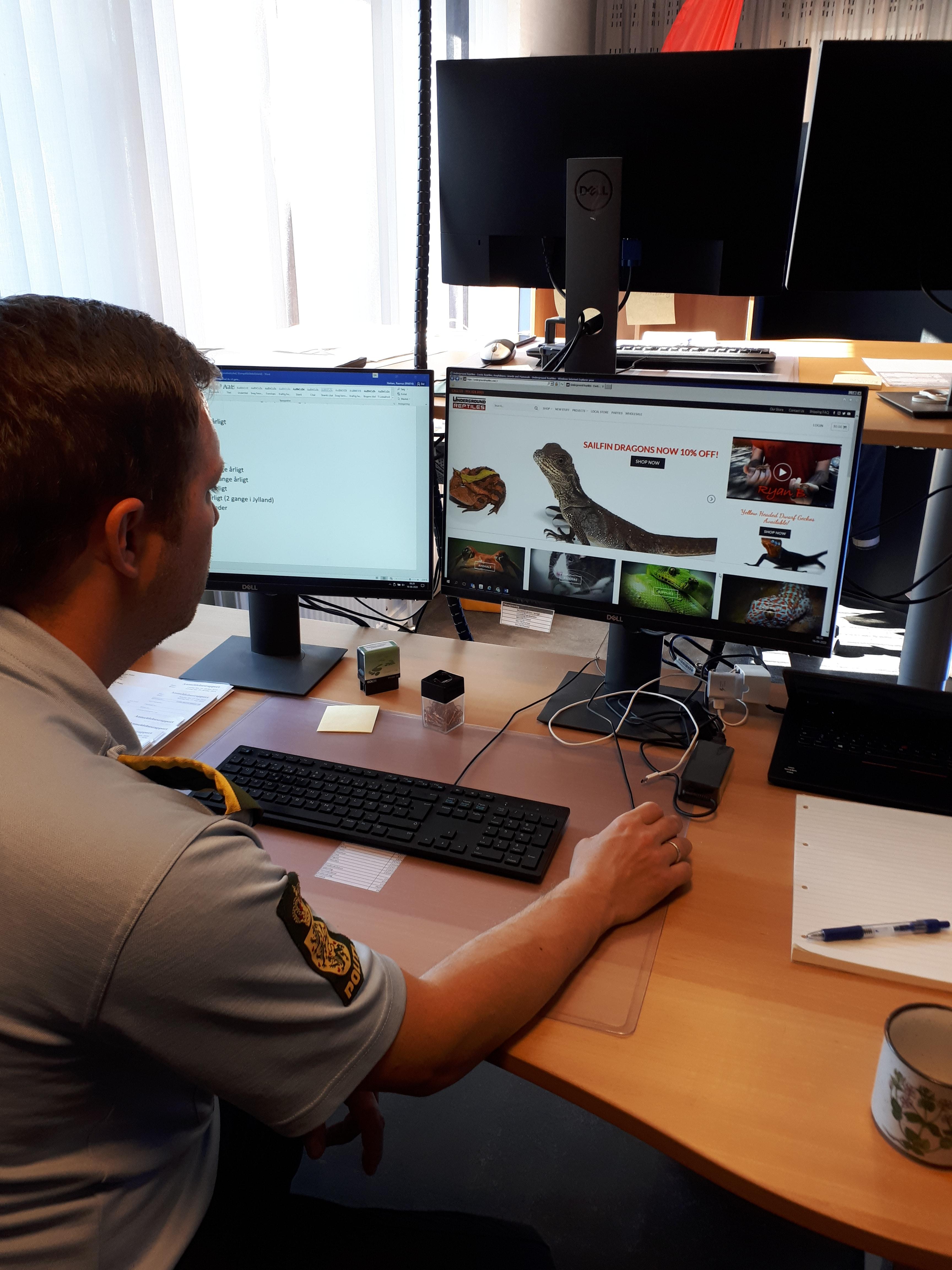 Her har en politiassistent fra dyrevelfærdssektionen i Nordjyllands Politi fundet en interessant udenlandsk hjemmeside, hvor man kan købe giftige dyr, som kan blive leveret i nærmeste lufthavn.